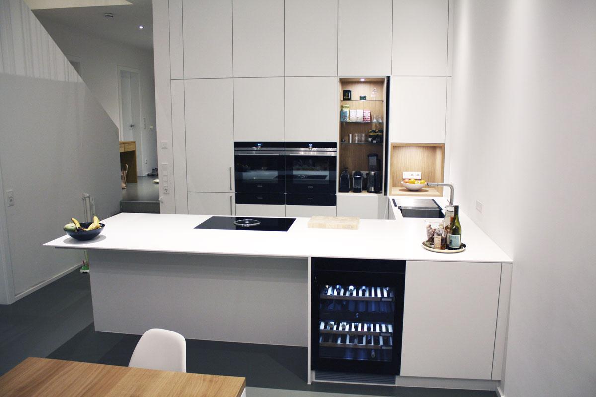 Moderne Küche von Schreinerhand
